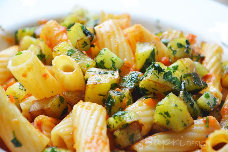 sapri-design-paprika-pasta-nudeln-kartoffel-petersilie-croutons-rezept