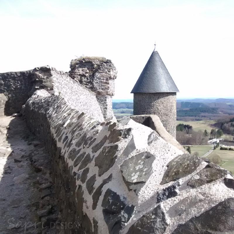 7-von-12-von-12-april-instagram-nürburg-eifel-burg-schloss-castle