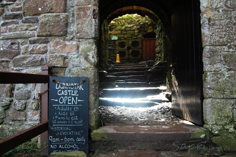 Dunnottar-Castle-schottland-scotland-reise-tipp-blog-sapri-design-roadtrip-burgen-schlösser-ruine-23