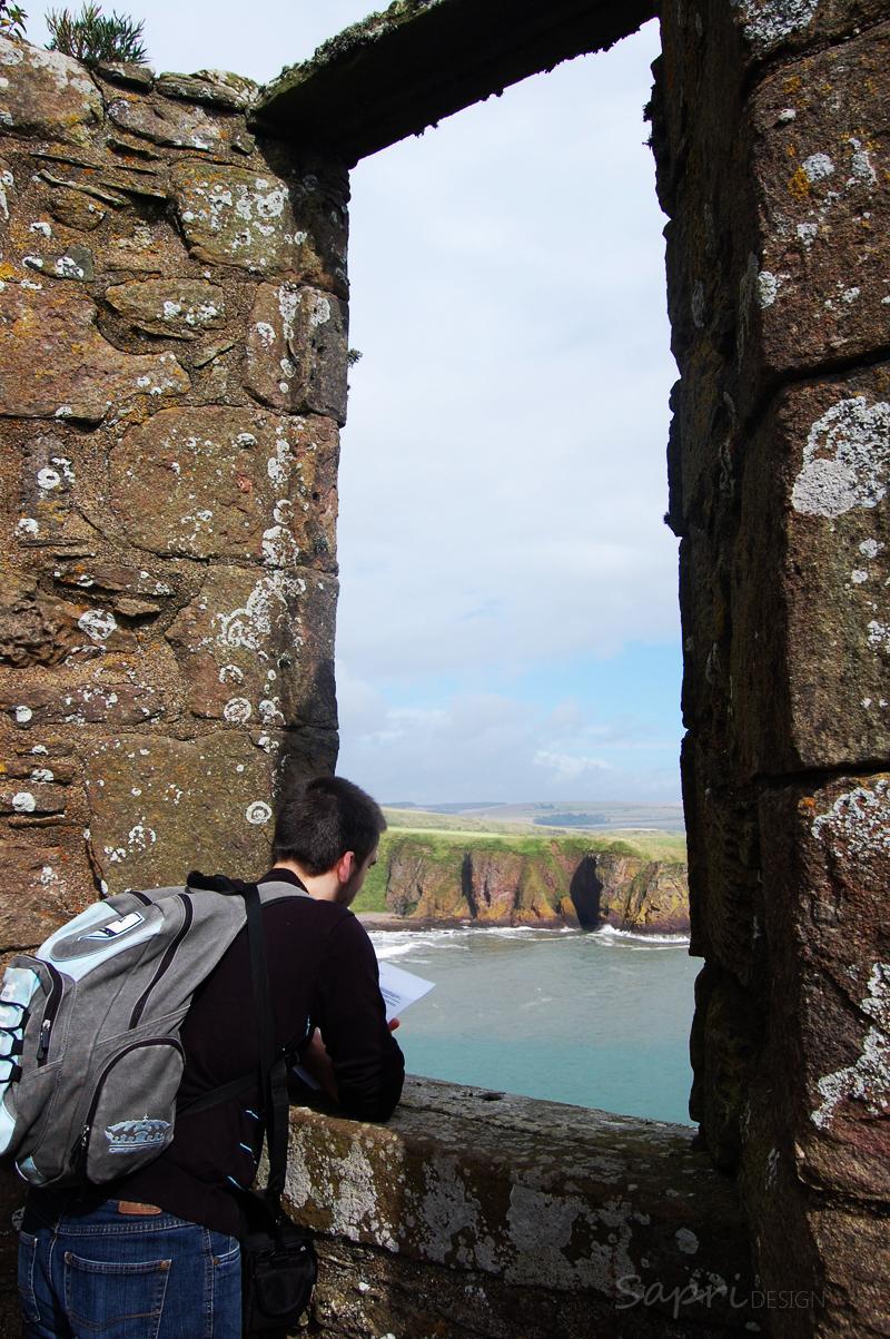 Dunnottar-Castle-schottland-scotland-reise-tipp-blog-sapri-design-roadtrip-burgen-schlösser-ruine-ausblick-strand-castle-ruin-10b