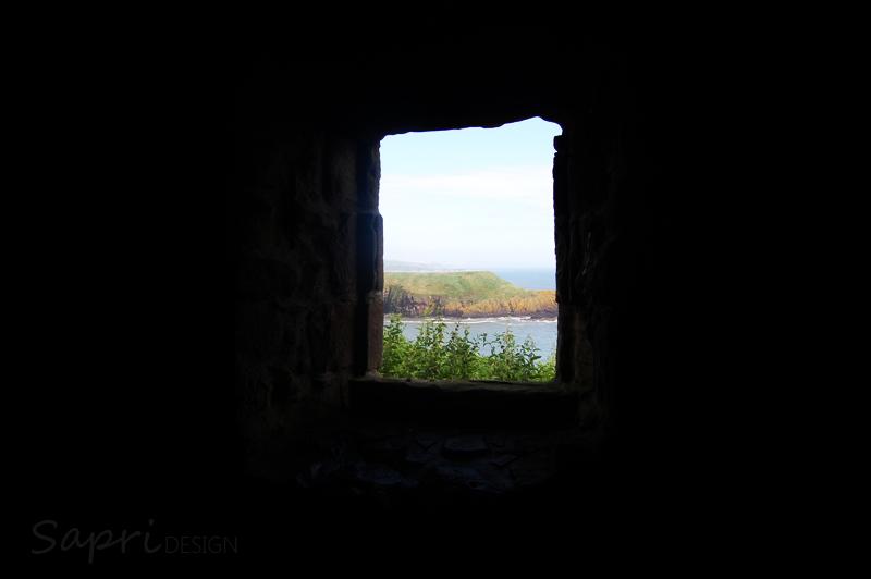 Dunnottar-Castle-schottland-scotland-reise-tipp-blog-sapri-design-roadtrip-burgen-schlösser-ruine-ausblick-strand-castle-ruin-13