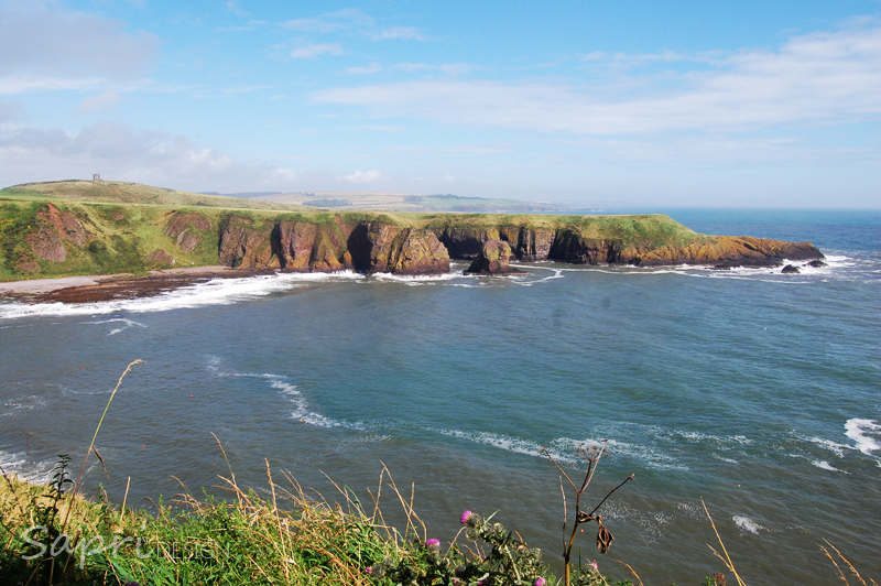 Dunnottar-Castle-schottland-scotland-reise-tipp-blog-sapri-design-roadtrip-burgen-schlösser-ruine-ausblick-strand-castle-ruin-17
