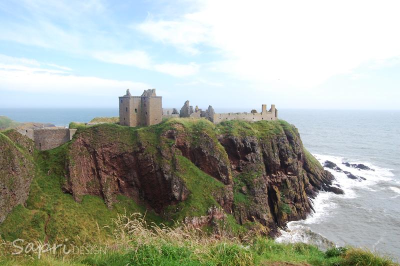 Dunnottar-Castle-schottland-scotland-reise-tipp-blog-sapri-design-roadtrip-burgen-schlösser-ruine-ausblick-strand-castle-ruin-20