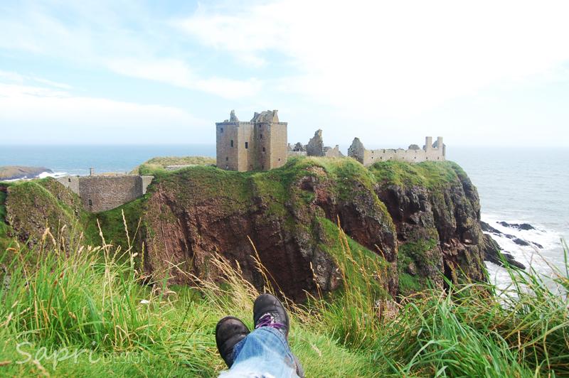 Dunnottar-Castle-schottland-scotland-reise-tipp-blog-sapri-design-roadtrip-burgen-schlösser-ruine-ausblick-strand-castle-ruin-23