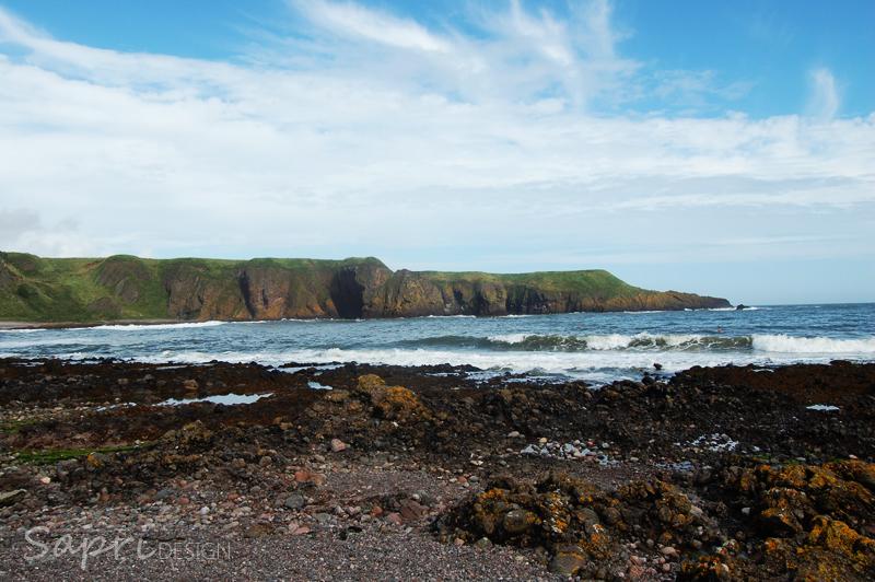 Dunnottar-Castle-schottland-scotland-reise-tipp-blog-sapri-design-roadtrip-burgen-schlösser-ruine-ausblick-strand-castle-ruin-5