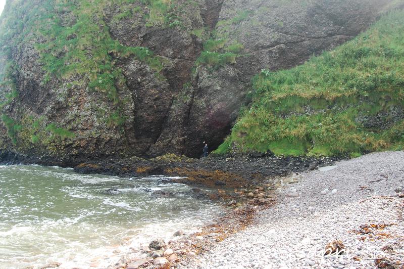 Dunnottar-Castle-schottland-scotland-reise-tipp-blog-sapri-design-roadtrip-burgen-schlösser-ruine-ausblick-strand-castle-ruin