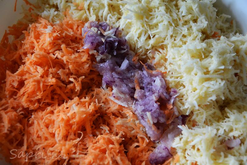sapri-design-wochenend-rezept-pastinake-süßkartoffel-puffer-reibekuchen-joghurt-dip-tomate-petersilie-8