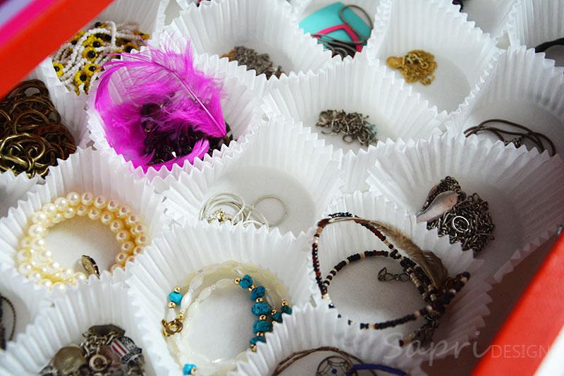 sapri-design-ohrring-ohrstecker-aufbewahrung-diy-do-it-yourself-organize-earrings-ketten-muffin-förmchen-2