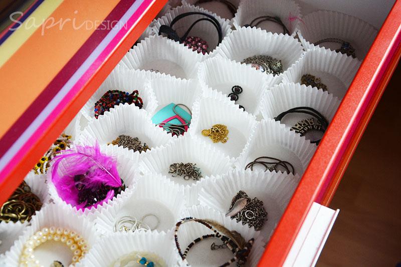 sapri-design-ohrring-ohrstecker-aufbewahrung-diy-do-it-yourself-organize-earrings-ketten-muffin-förmchen