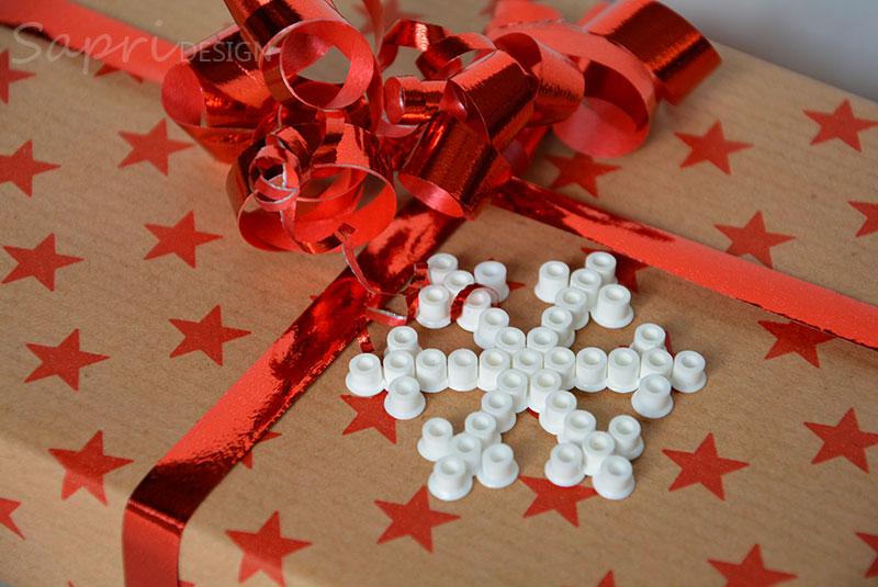 sapri-design-bügelperlen-schneeflocken-diy-eisblumen-basteln-kinder-weihnachten-xmas-geschenkanhänger-baumschmuck-deko-10