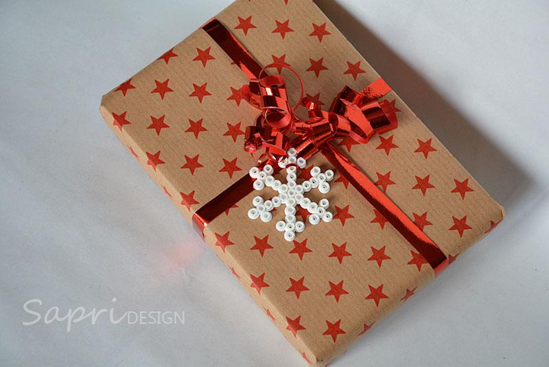 sapri-design-bügelperlen-schneeflocken-diy-eisblumen-basteln-kinder-weihnachten-xmas-geschenkanhänger-baumschmuck-deko-8