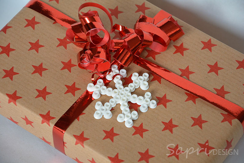 sapri-design-bügelperlen-schneeflocken-diy-eisblumen-basteln-kinder-weihnachten-xmas-geschenkanhänger-baumschmuck-deko-9