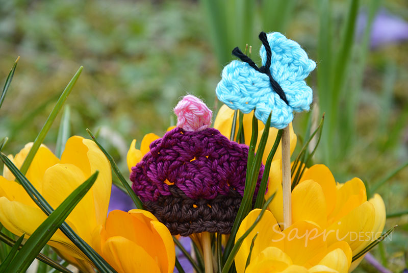 applikationen-am-stiel-sapri-design-gehäkelt-applikation-frühling-sommer-muffin-cupcake-schmetterling-butterfly-hase-bunny-osterhase-ostern-9