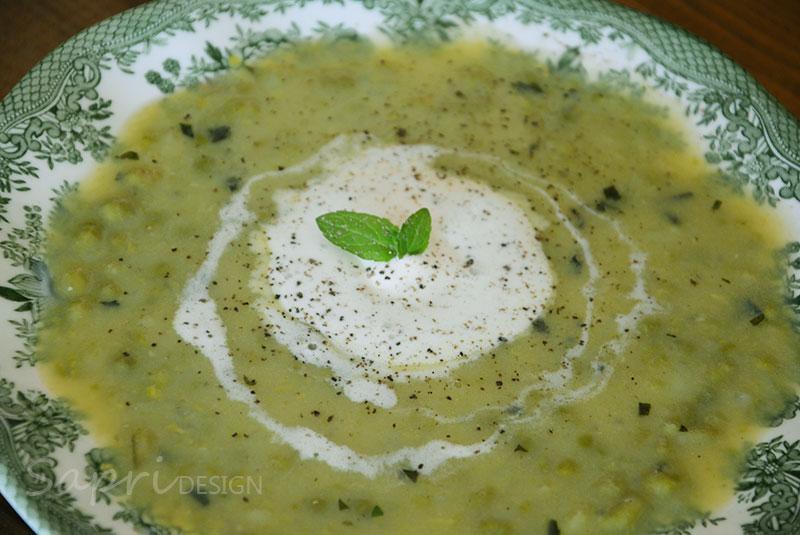 sapri-design-wochenend-rezept-suppe-kartoffel-erbsen-minze-kochen
