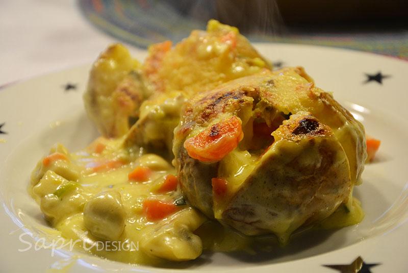 sapri-design-wochenend-rezept-kochen-backen-küche-ofenkartoffel-kartoffel-soße-möhren-porree-champignons-pilze-käse-überbacken-2