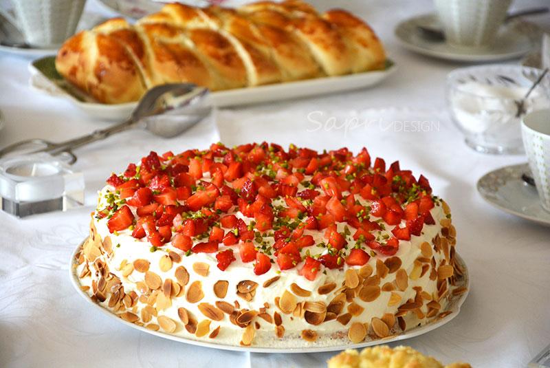 Wochenend Rezept U2013 Erdbeersahne Torte Mit Pistazien
